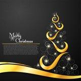 在装饰黑背景的圣诞树 免版税库存图片