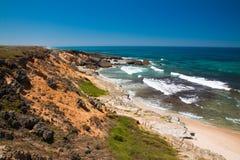 在西南阿连特茹和Vicentine自然公园,葡萄牙的海洋海岸 免版税图库摄影