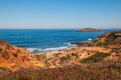 在西南阿连特茹和Vicentine自然公园,葡萄牙的海洋海岸 库存照片