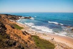 在西南阿连特茹和Vicentine自然公园,葡萄牙的海洋海岸 免版税库存图片