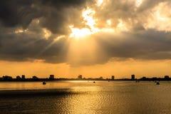 在西湖Ha Noi的日落 库存照片