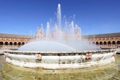 在西班牙广场的喷泉 库存照片
