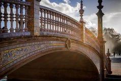 在西班牙正方形的桥梁,塞维利亚,西班牙 免版税库存照片