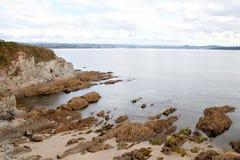 在西班牙海岸的好的峭壁 库存照片