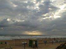 在西班牙海滩的夏天日出 库存照片