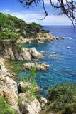 在西班牙附近的brava costa de landscape lloret 3月 图库摄影