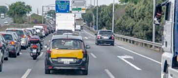 在西班牙高速公路的交通堵塞 免版税图库摄影