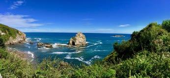 在西班牙,Biloba的北部的岩石费用 免版税库存照片