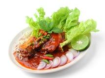 在西红柿酱罐装鱼的辣沙丁鱼 库存图片