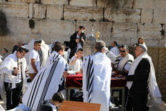 在西部墙壁的成人仪式仪式在耶路撒冷 免版税库存图片