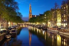 在西部教会的晚上视图在阿姆斯特丹 库存图片