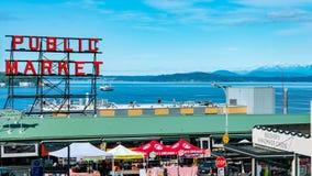 在西雅图华盛顿海湾视图的派克位置公开市场 库存照片
