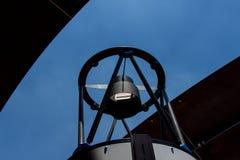 在观测所的望远镜 免版税库存照片