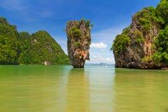 在詹姆士・邦德海岛的Ko Tapu岩石在泰国 免版税库存照片
