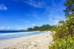 在警察海湾的美丽的天堂海滩,塞舌尔群岛2 免版税库存照片