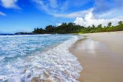 在警察海湾的美丽的天堂海滩,塞舌尔群岛7 免版税库存图片