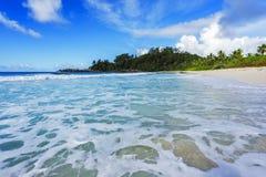 在警察海湾的美丽的天堂海滩,塞舌尔群岛8 库存照片