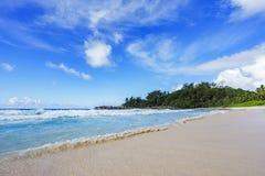 在警察海湾的美丽的天堂海滩,塞舌尔群岛13 图库摄影