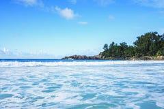 在警察海湾的美丽的天堂海滩,塞舌尔群岛22 图库摄影