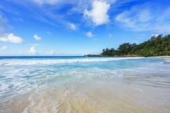 在警察海湾的美丽的天堂海滩,塞舌尔群岛26 免版税库存图片