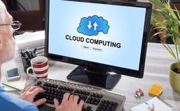 在计算机上的云彩计算的概念 免版税库存图片