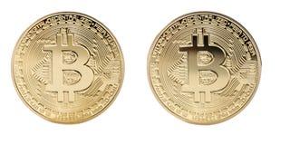 在计算机上的金黄Bitcoin金钱 背景查出的白色 免版税库存照片