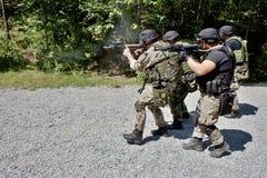 在训练的特别警察小分队 库存图片