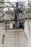 在议会正方形伦敦的亚伯拉罕・林肯雕象 库存照片