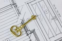 在议院计划的古色古香的钥匙 免版税库存照片
