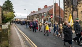 在记忆星期天的记忆游行2016年在雷克瑟姆威尔士 免版税库存图片