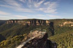 在讲坛岩石蓝山山脉澳大利亚的清早 免版税库存图片