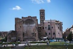 在论坛和罗马被恢复的寺庙金星在罗马 库存照片