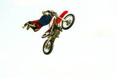 在试验展示的极端自行车跃迁 免版税图库摄影