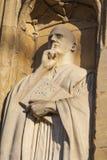 在诺威治大教堂的St本尼迪克特雕塑 免版税库存图片