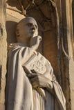 在诺威治大教堂的St本尼迪克特雕塑 免版税库存照片
