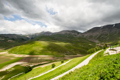 在诺尔恰Castelluccio的山  图库摄影