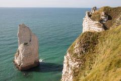 在诺曼底海岸的峭壁在法国 免版税库存照片