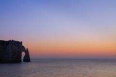 在诺曼底海岸的海运成拱形在法国 库存图片