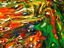 在调色板混合的色的油漆 免版税图库摄影