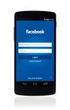 在谷歌连结5的Facebook app 免版税库存照片