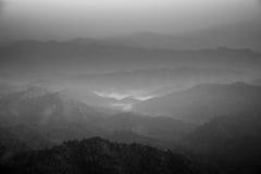 在谷的一点薄雾 库存图片
