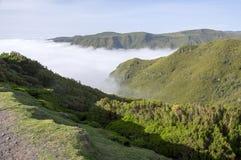 在谷的多云, Rabacal,马德拉岛海岛,葡萄牙 图库摄影