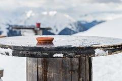 在谷的美丽的景色在滑雪胜地在瑞士阿尔卑斯 库存照片