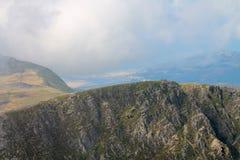 在谷的Barmouth从Cadiar Idris, Dolgellau, Snowdonia,北部威尔士 图库摄影