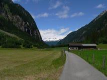 在谷Stilluptal的奥地利阿尔卑斯外型 库存图片