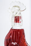 在象鸡的瓶的红色威士忌酒 库存图片