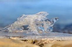 在贝加尔湖的夏天冰日出的 免版税库存图片