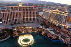 在贝拉焦旅馆和赌博娱乐场的喷泉展示 库存图片