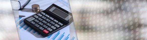 在财政文件的计算器,会计概念 全景的横幅 免版税库存照片