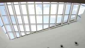 在购物中心的玻璃天花板 股票录像